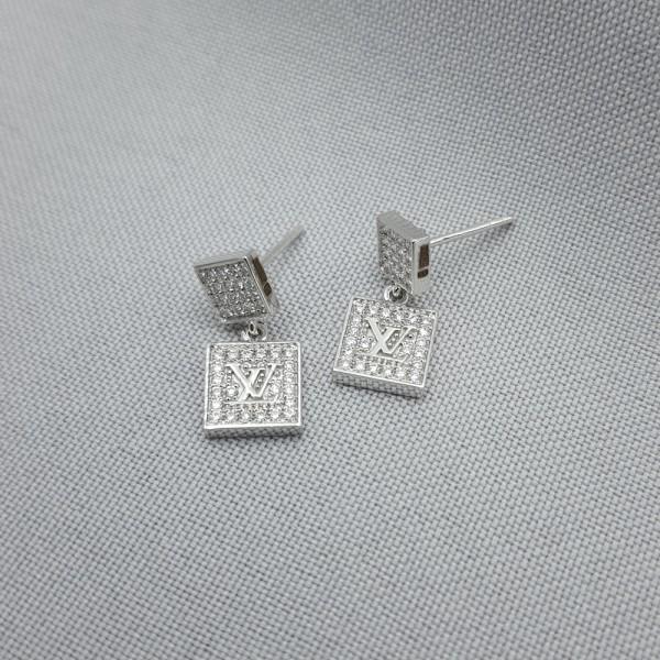 Серьги-пусеты (гвоздики) золотые с бриллиантами 3_С 21.7б