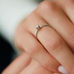 Кольцо золотое с бриллиантом 3К117-35Дб